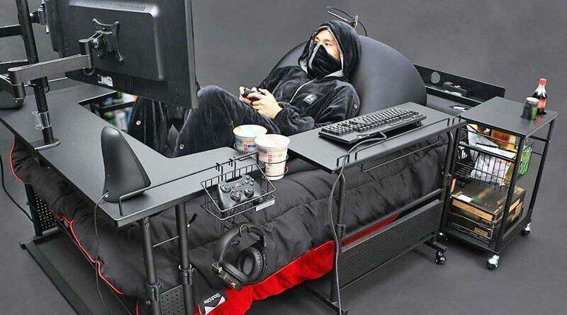 Японцы создали специальную кровать для любителей видеоигр (ФОТО)