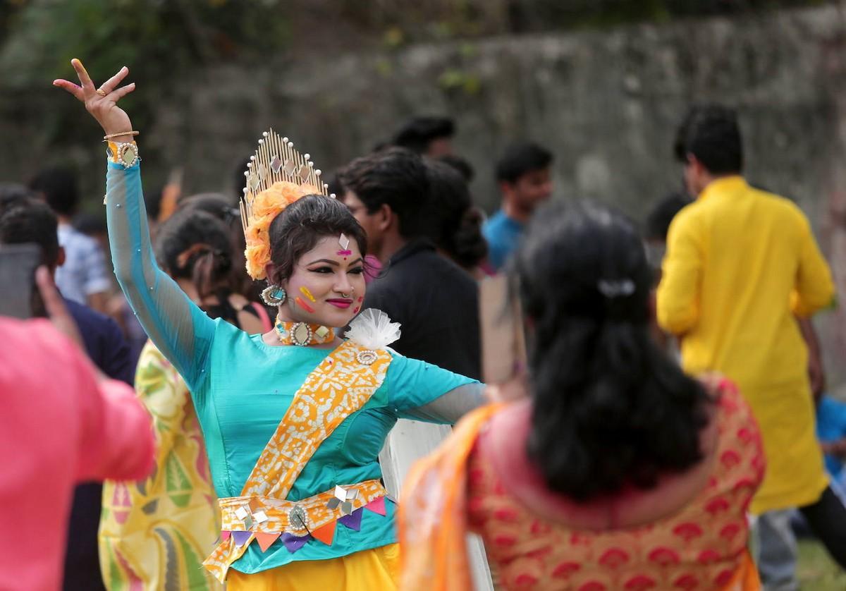 Ежегодный индуистский фестиваль весны Холи в Индии