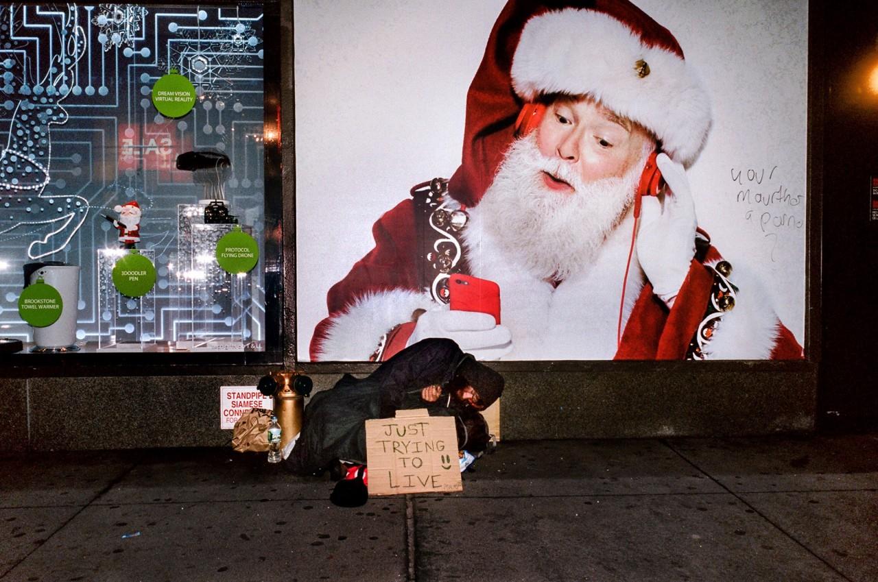Гуманистический городской вуайеризм на снимках Дэниела Арнольда