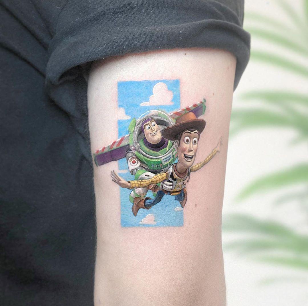 Уникальные миниатюрные татуировки с героями поп-культуры