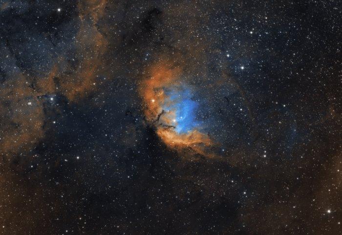 Туманности — скопления пыли, газа и плазмы