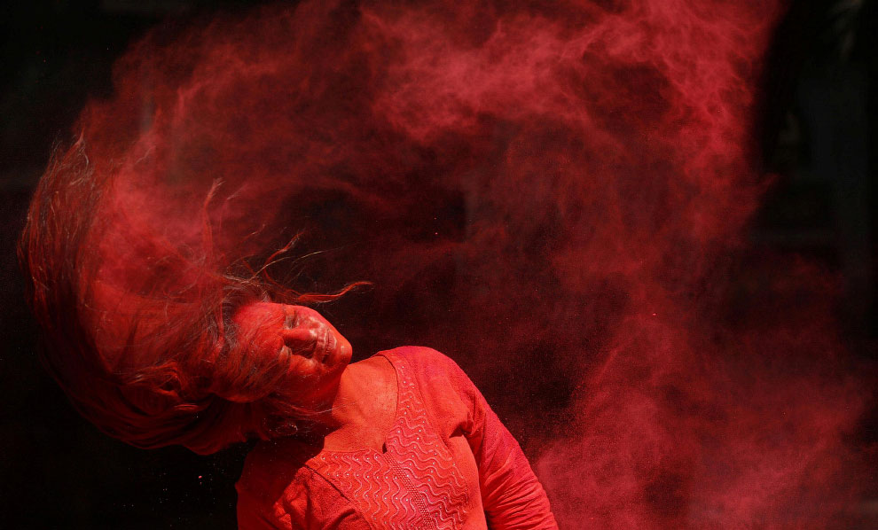 В Индии прошел фестиваль красок Холи 2020