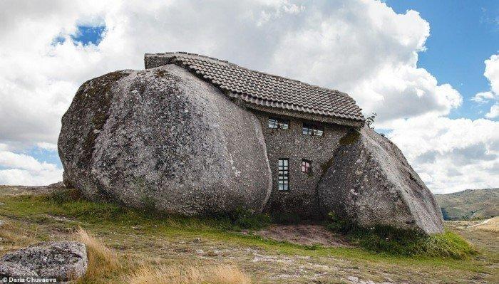 Самые необычные каменные дома со всего мира