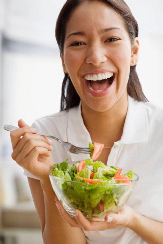 Салат просто нереально поднимает женщинам настроение