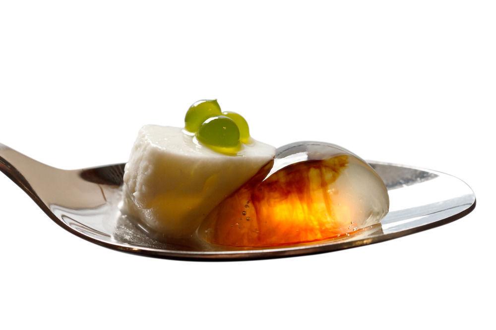 Что такое молекулярная кухня и можно ли приготовить такую еду дома?