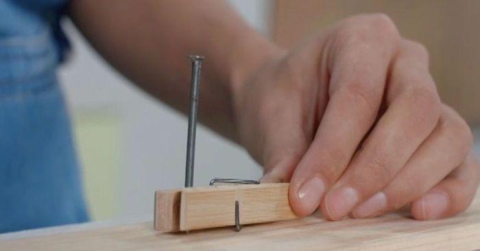 Как забить гвоздь и не ударить по пальцам