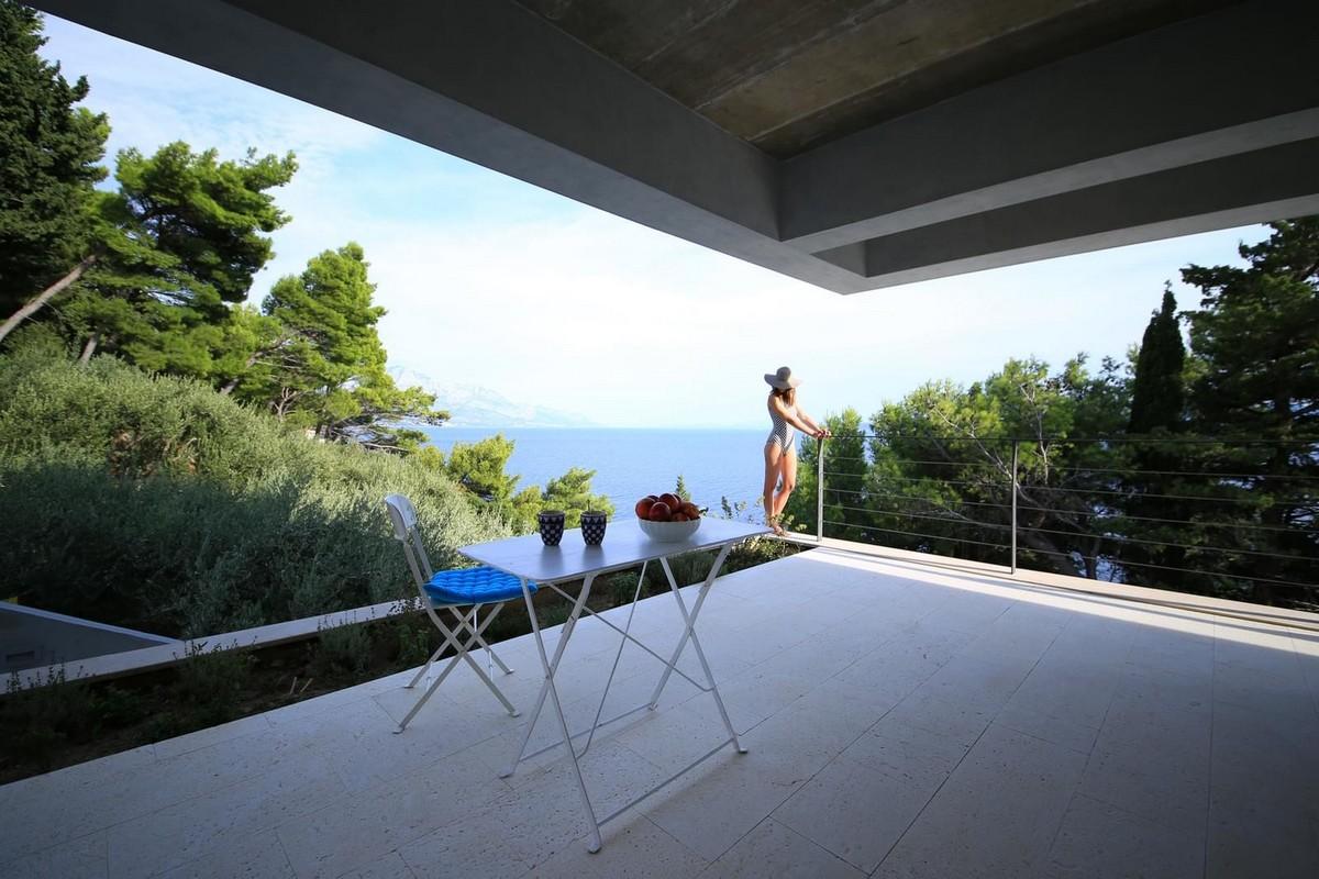 Бетонный дом с видом на море в Хорватии