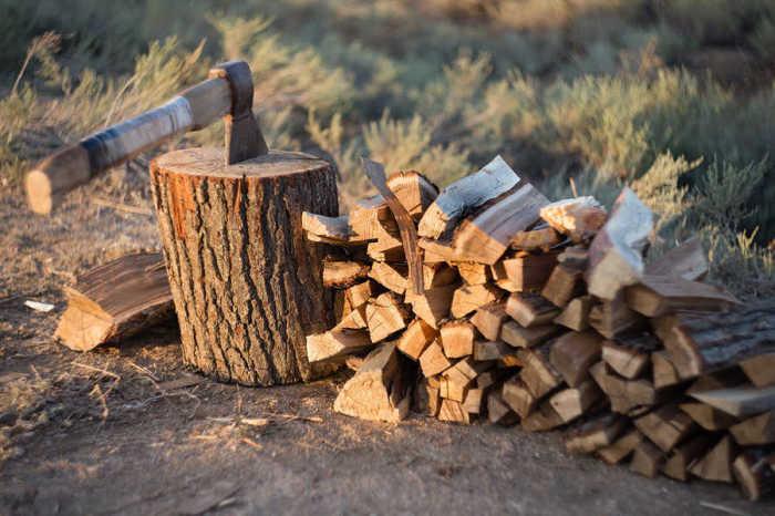 Как выбрать дрова, которые дают больше тепла