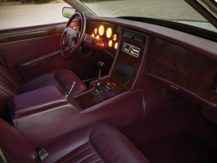 Уникальный Packard Twelve Prototype 1999 как из прошлого