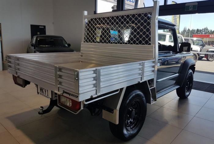 Бортовой грузовик Suzuki Jimny из Новой Зеландии