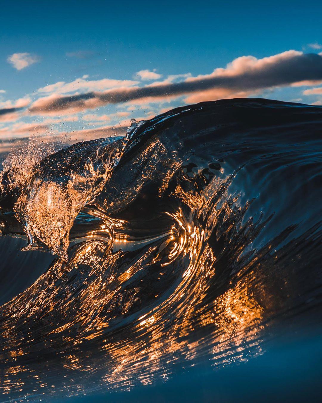 Красота береговых линий и морских волн от Беннетта Ломбардо