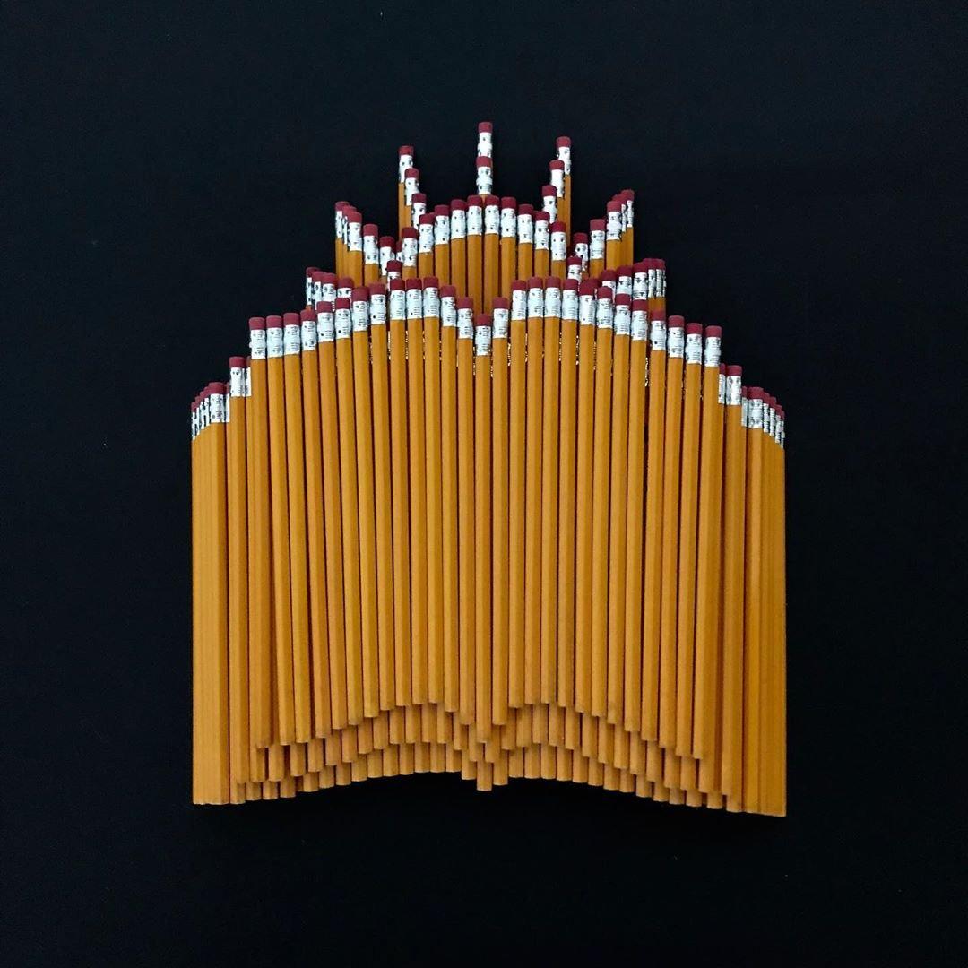 Необычные инсталляции из обычных карандашей