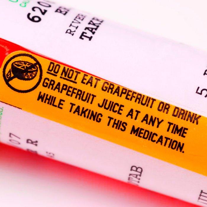 Почему лекарства не стоит запивать грейпфрутового соком