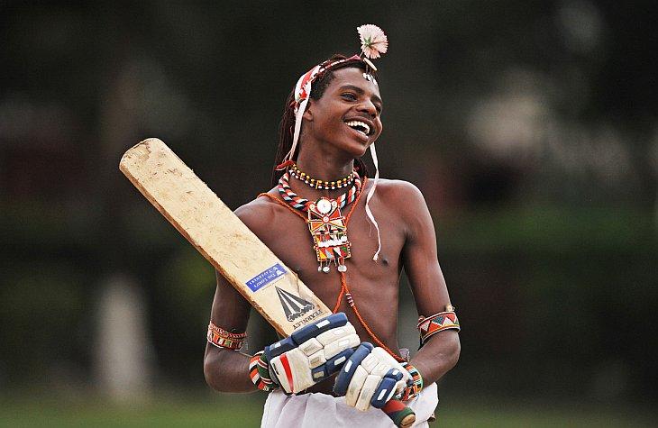 Необычная команда по крикету - воины Масаи
