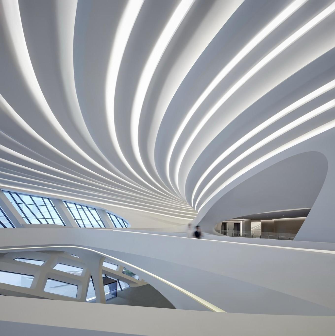 Центр культуры и искусств от Zaha Hadid Architects в Китае