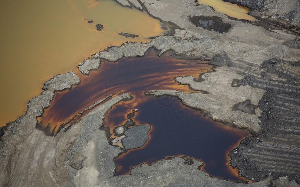 Как добывают нефть из песка в Канаде