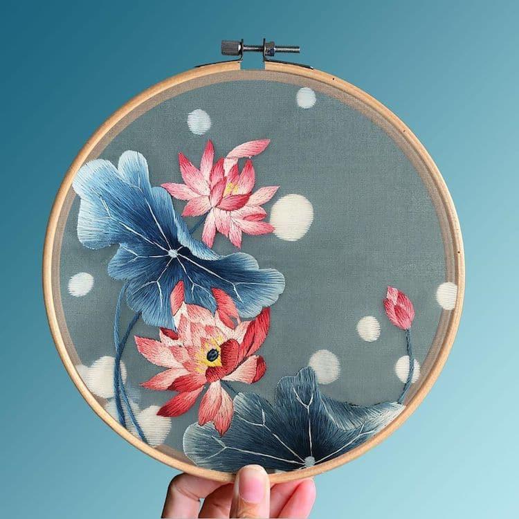 Красивая шёлковая вышивка в традиционном китайском стиле