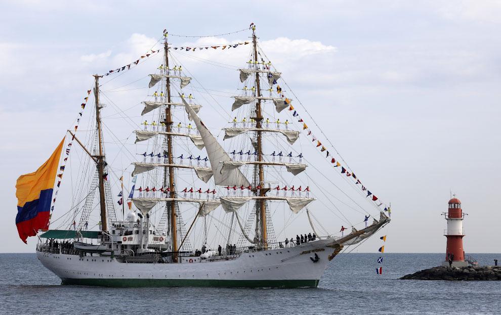 Морские корабли на снимках