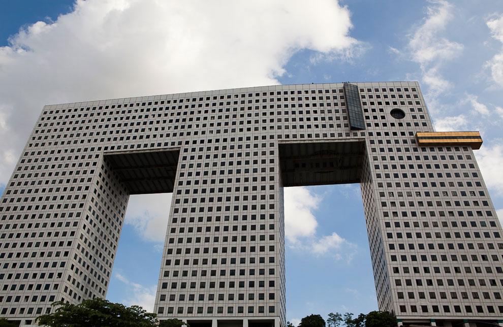 Самые странные и уродливые здания в мире