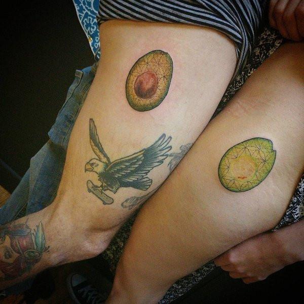 Интересные варианты парных татуировок