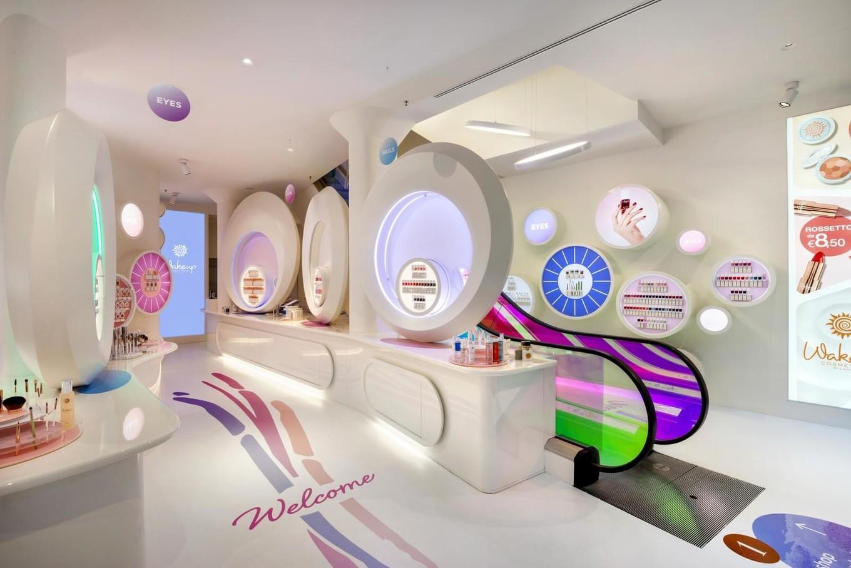 Необычный магазин косметики WakeUp Cosmetics Milano