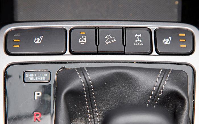 Полезные кнопки в автомобиле, про назначение которых знают не все