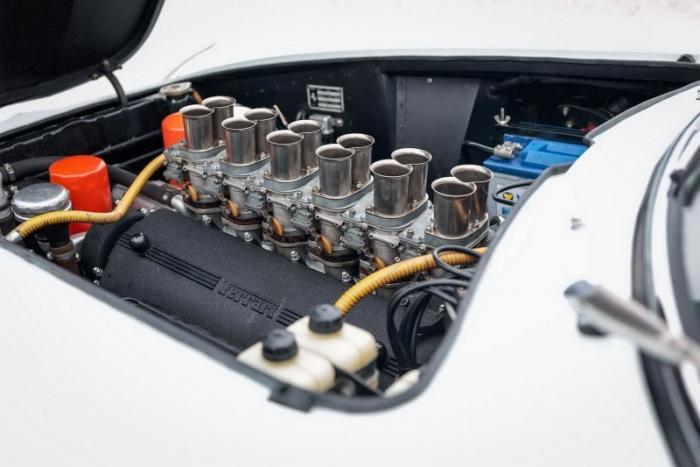 Уникальный Ferrari 275 GTB с шестью карбюраторами