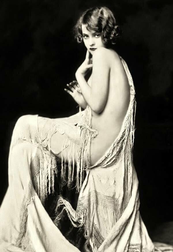 Модели на снимках 1920-х годов