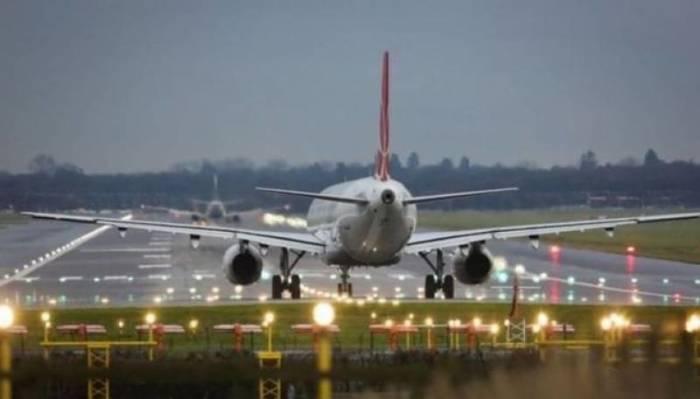 Почему поднимают шторку иллюминатора при взлете и посадке