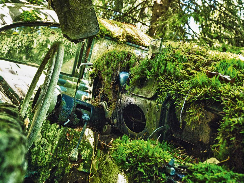 Заброшенные старые автомобили в Европе и США