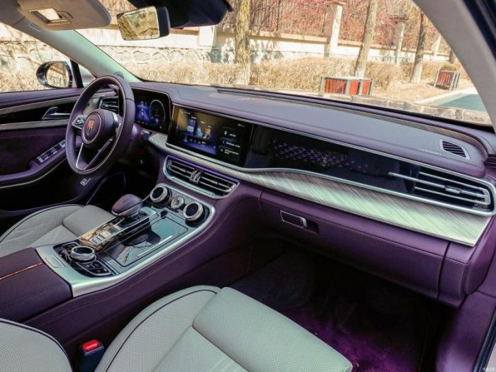 HongQi H9 — Китайский конкурент Mercedes E-Class