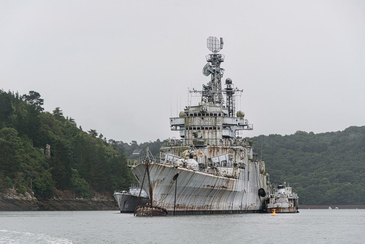 Кладбище списанных военных кораблей во Франции