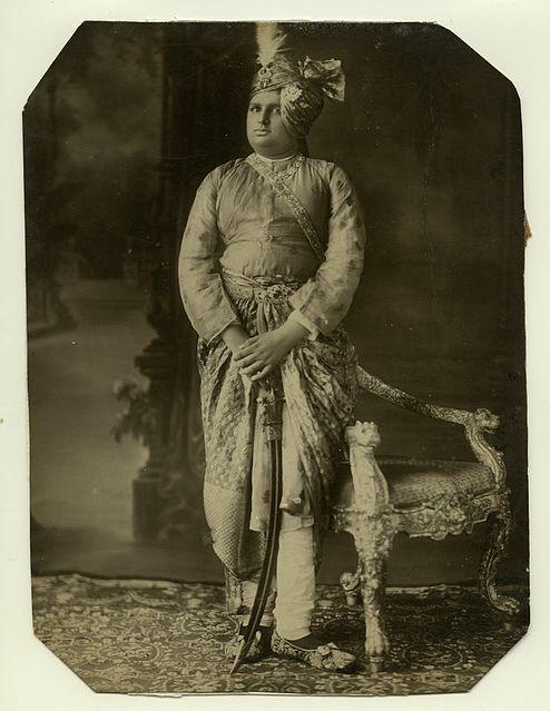 Сабля тальвар - символ доблести у индийских воинов
