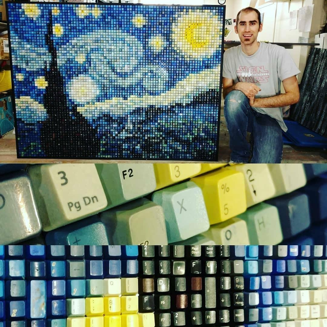 Художник создаёт произведения искусства из старых клавиатур