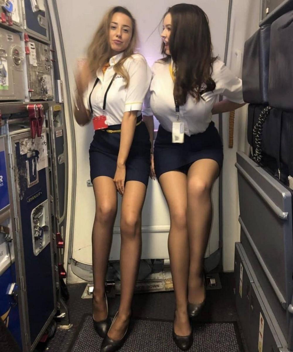 Красивые длинноногие девушки