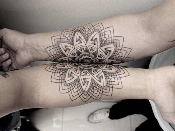 Split-татуировки, состоящие из двух частей