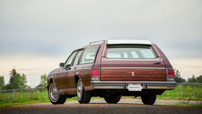 Oldsmobile Custom Cruiser — на таких ездили американские семьи