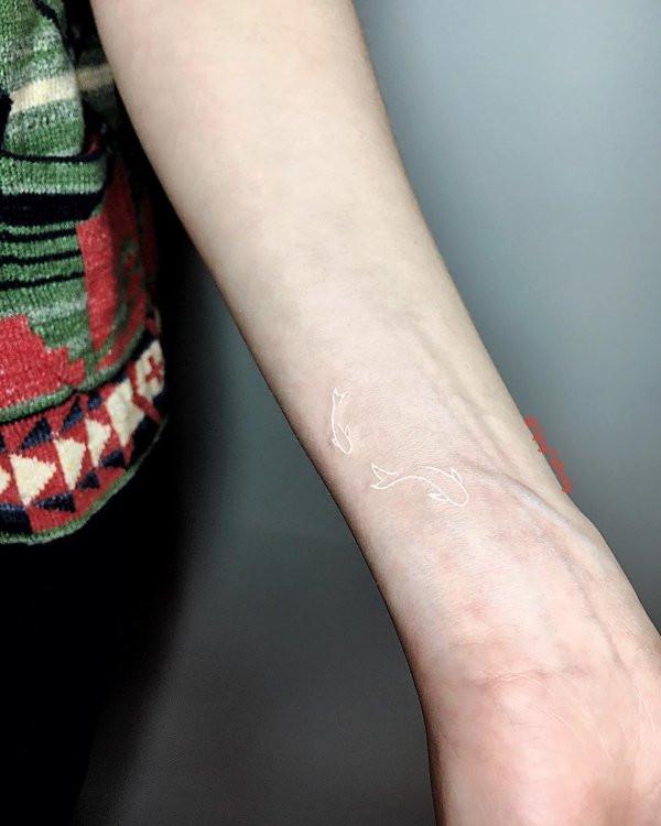 Татуировки белыми чернилами