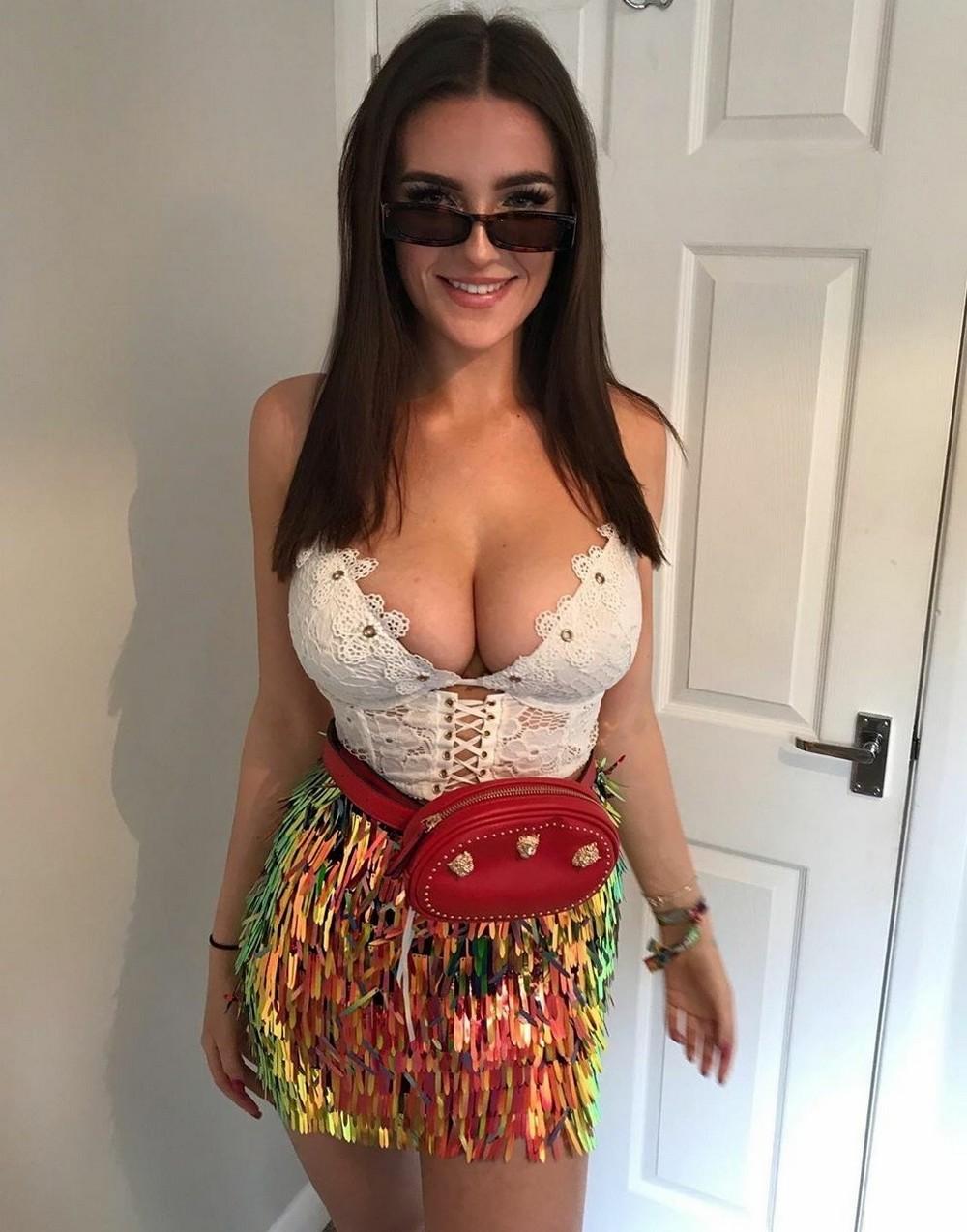 Красивые девушки в корсетах