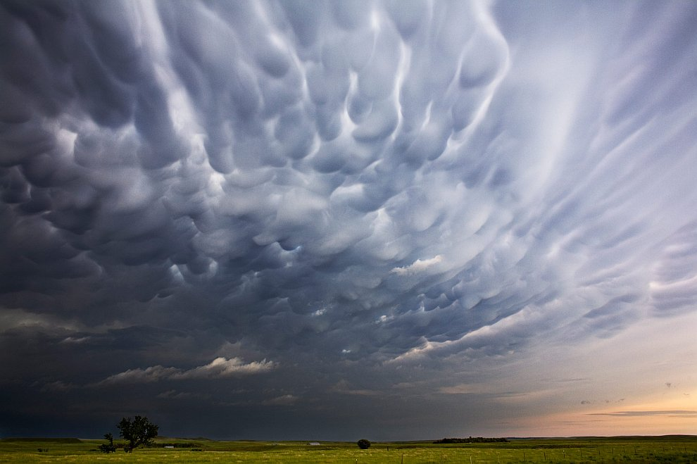 Невероятные грозовые облака в небесах