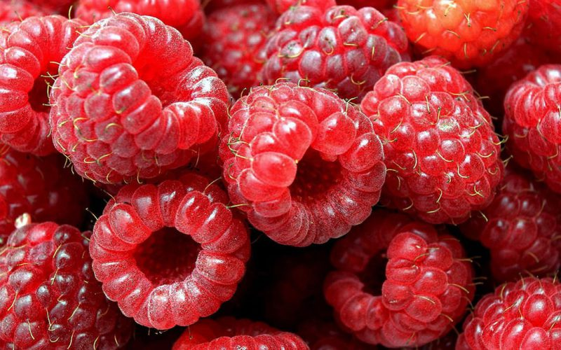 Как правильно заморозить ягоды и фрукты