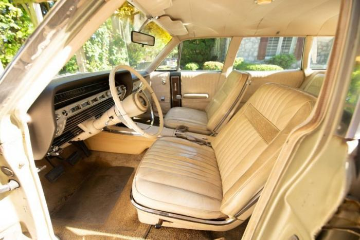 Ford Country Squire 1967 года с двигателем V8