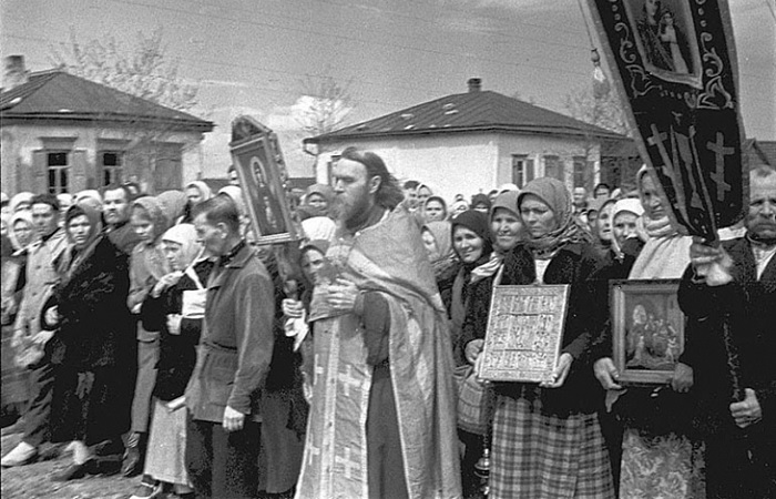 Как православная церковь объединилась с властью во времена ВОВ
