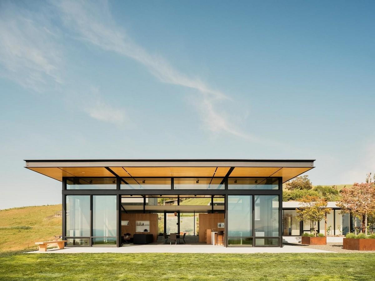 Частный дом среди холмов в Калифорнии