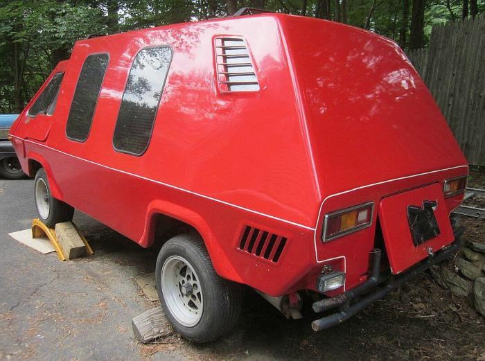 Необычный ретрофутуристический кемпер Phoenix Van