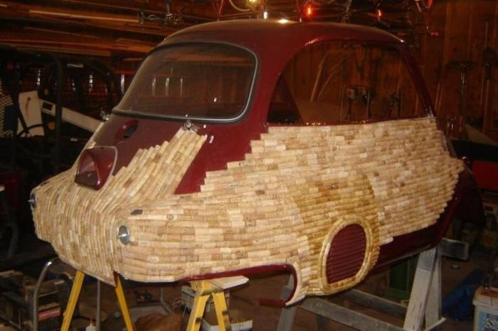 BMW Isetta в винных пробках: пенсионер восстанавливает старые автомобили