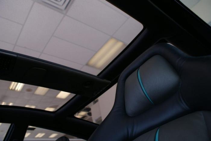 31-летний концепт Ford продают по цене топового смартфона