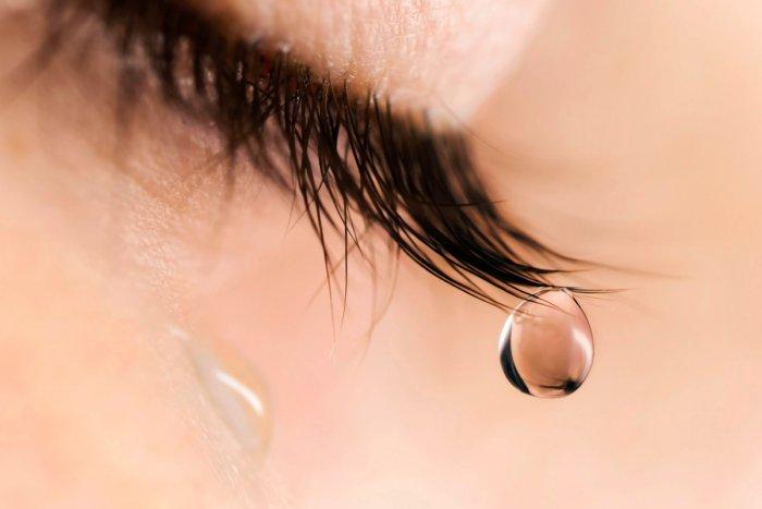 Почему слезы имеют солоноватый привкус