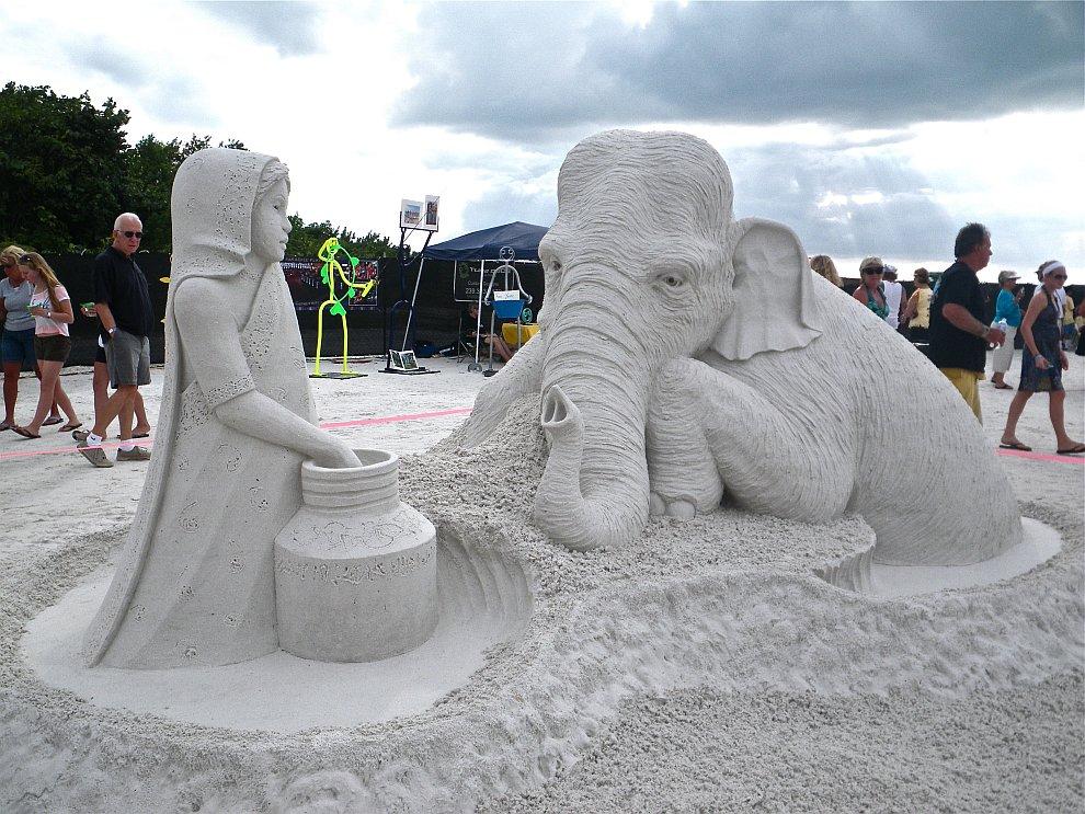 Удивительные песчаные скульптуры из разных мест