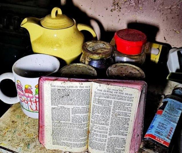 Как выглядит внутри дом, заброшенный почти 20 лет назад (ФОТО)